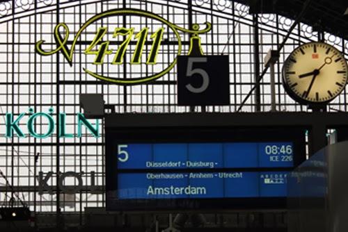 Abfahrtstafel ICE nach Amsterdam