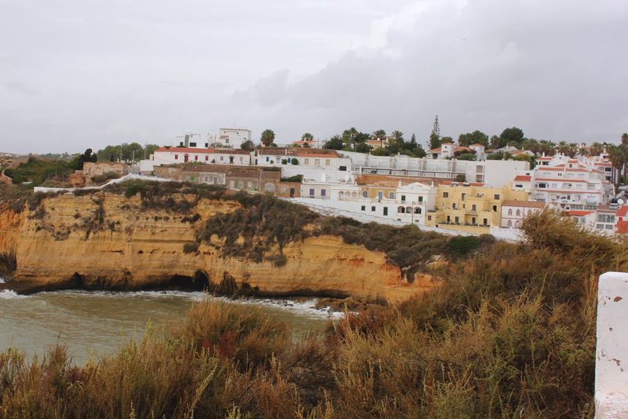 Blick auf die Bucht von Carvoeiro.