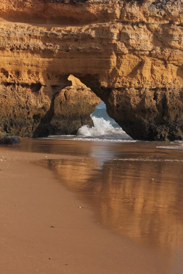 Felsentor am Strand von Praia da Rocha