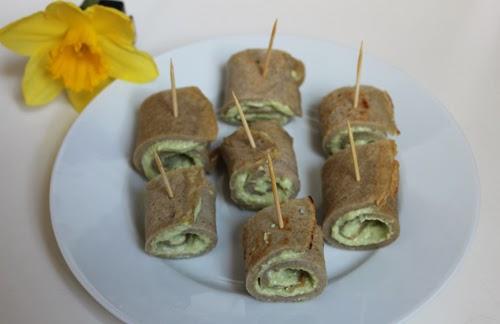 Buchweizenpfannkuchen mit Avocado-Cashew-Creme
