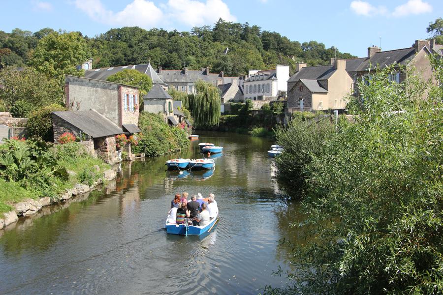 Pontrieux Bretagne, Boote fahren über den Trieux