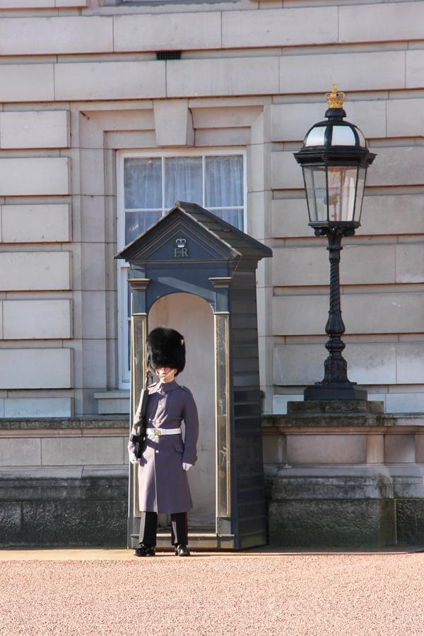 Wache am Buckingham Palace