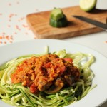 Rezept: Zucchinispaghetti mit Linsen-Bolognese