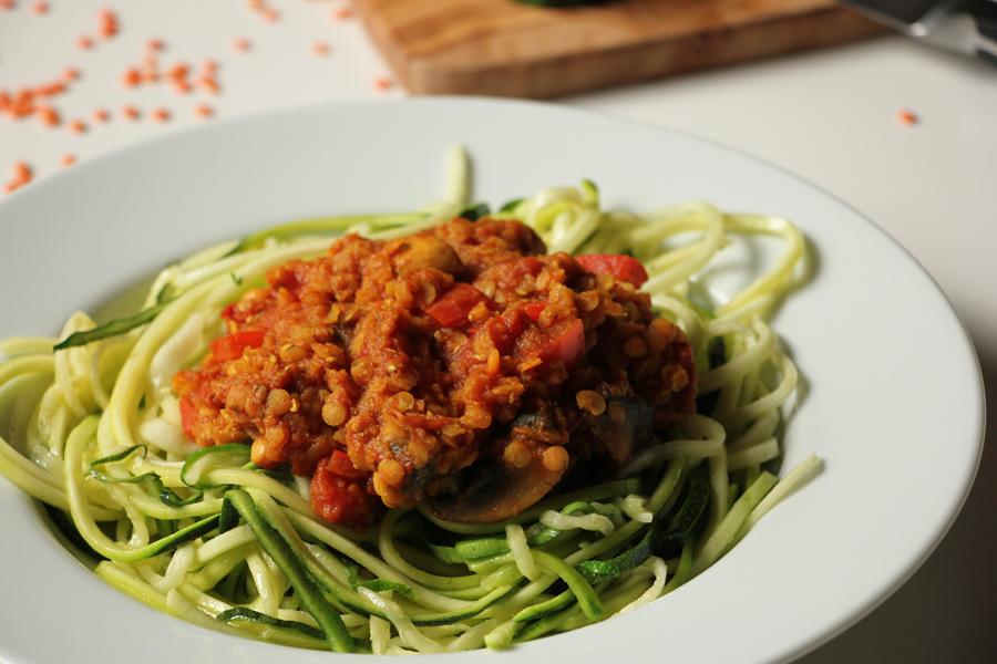 Zucchinspaghetti mit Linsen-Bolognese 3