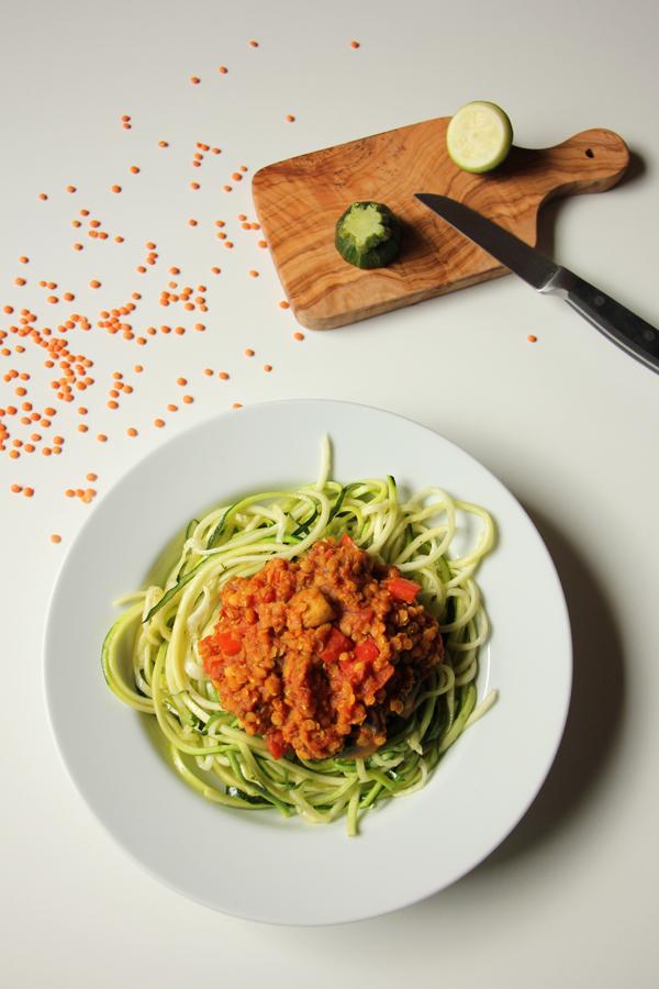 Zucchinspaghetti mit Linsen-Bolognese 4