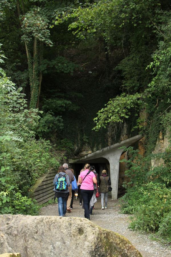 Auf dem Weg in die Höhlen.