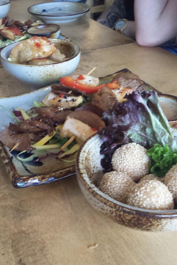 veganes asiatisches Essen, bei der veganen Food Tour durch Kreuzberg