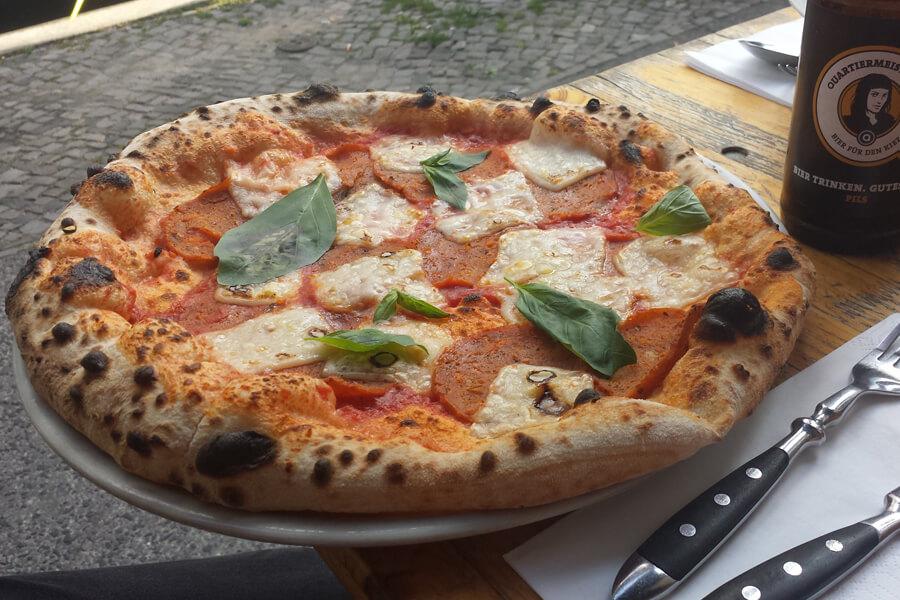 vegane Pizza im La Stelle Nera in Berlin