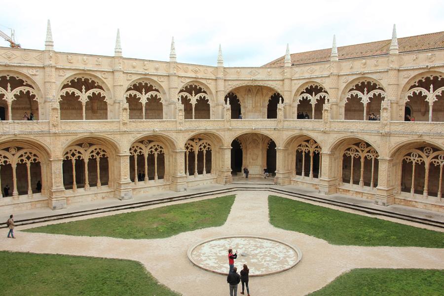 Mosteiro dos Jeronimos Belem Lissabon Innenhof