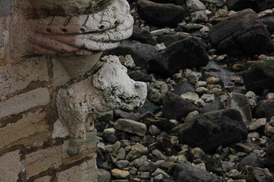 Nashornfigur am Torre de Belem, Lissabon