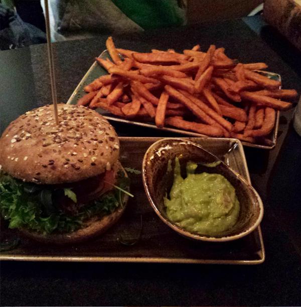 veganer Burger bei Hans im Glück