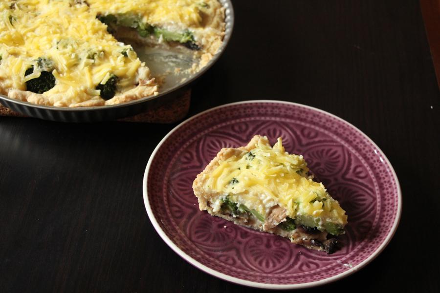 vegane Quiche mit Brokkoli und Pilzen 1