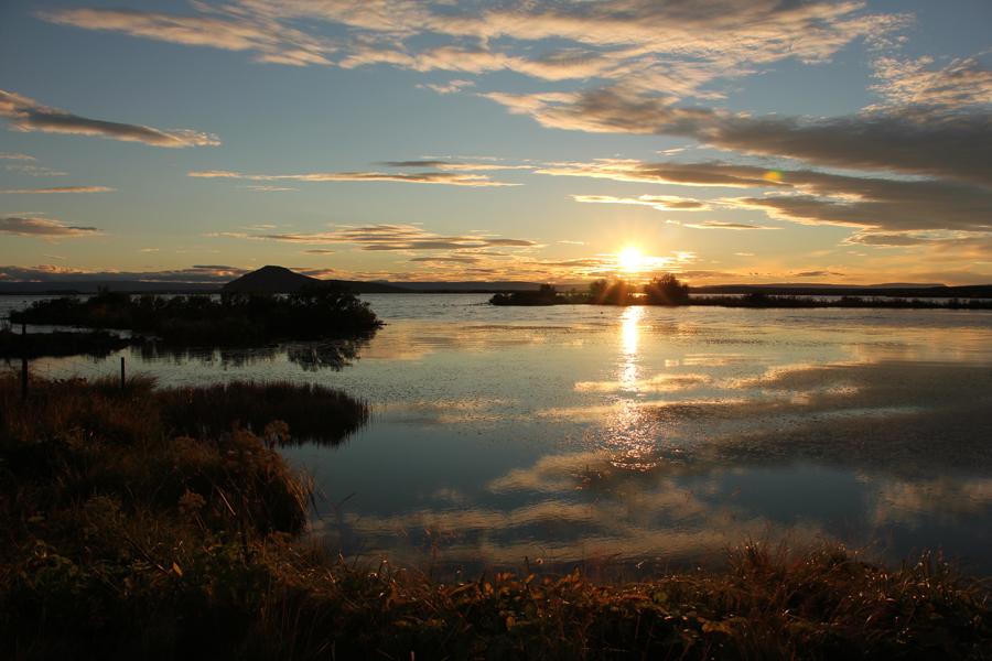 Sonnenuntergang am Mývatn See Island