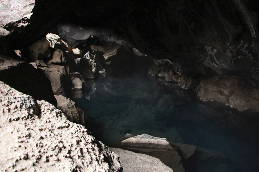 Grotjagja, Hotpot, Grotte Island