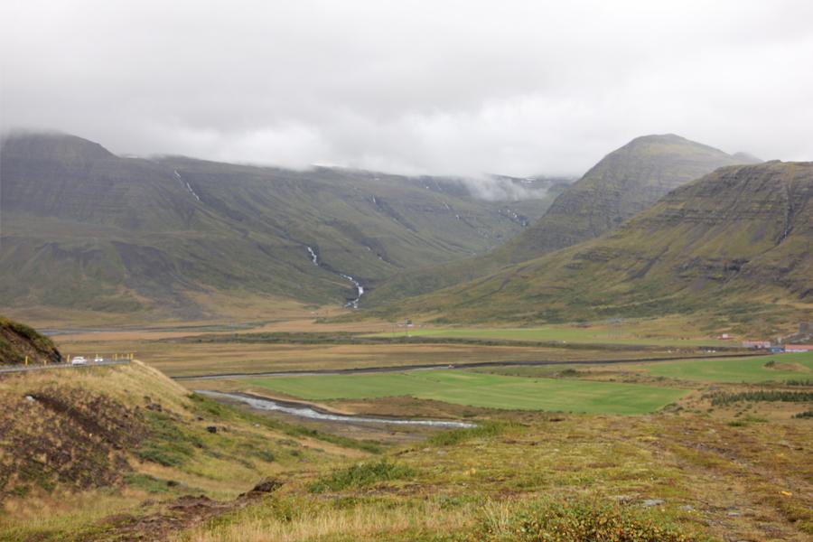 Berge auf dem Weg in die Ostfjorde
