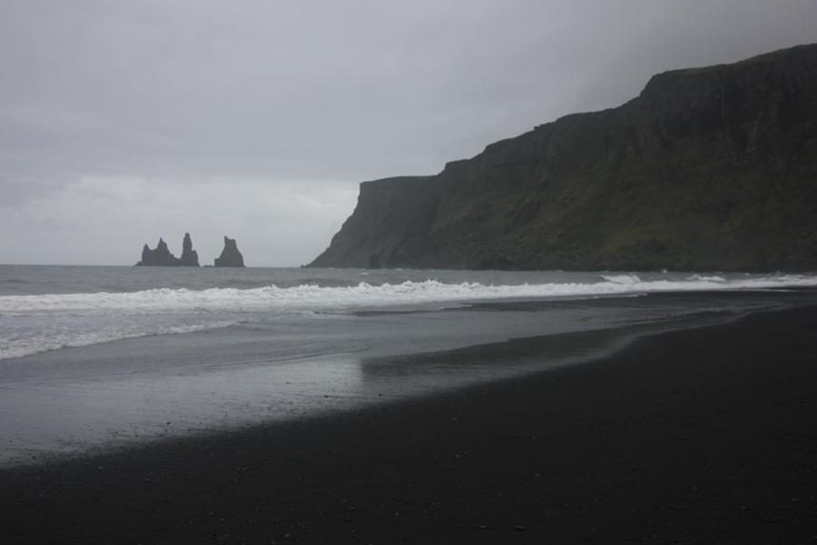 schwarzer Sandstrand in Vik in Südisland