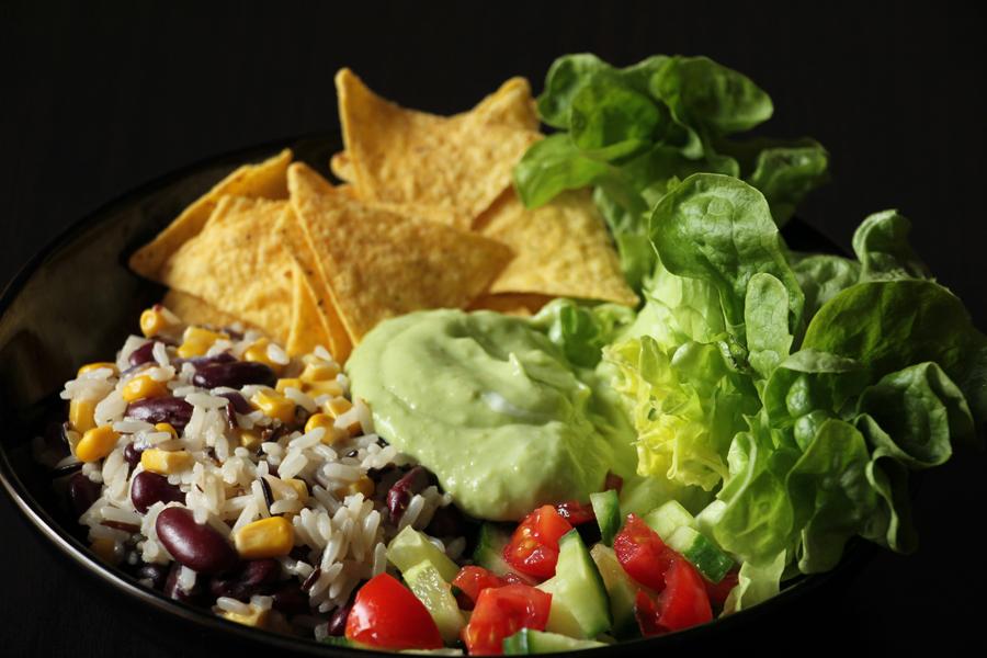 rezept taco bowl mit avocado dip. Black Bedroom Furniture Sets. Home Design Ideas