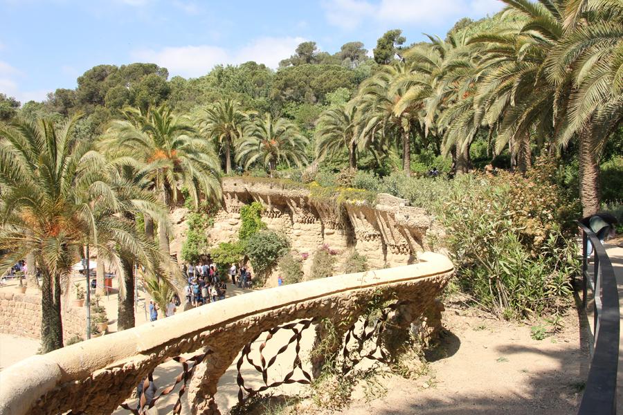 Barcelona Parc Guell Gaudi Architektur Palmen