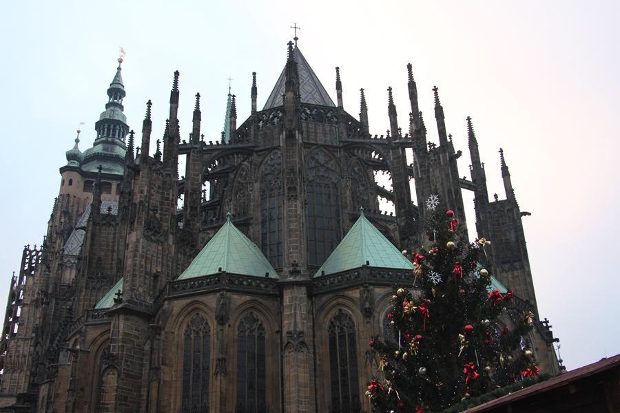 Ein Wochenende in Prag im Advent, Weihnachtsmarkt hinter dem St-Veits-Dom