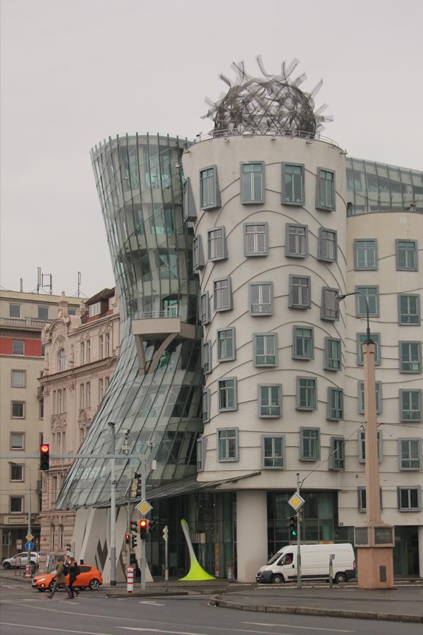 Ein Wochenende in Prag im Advent, tanzendes Haus