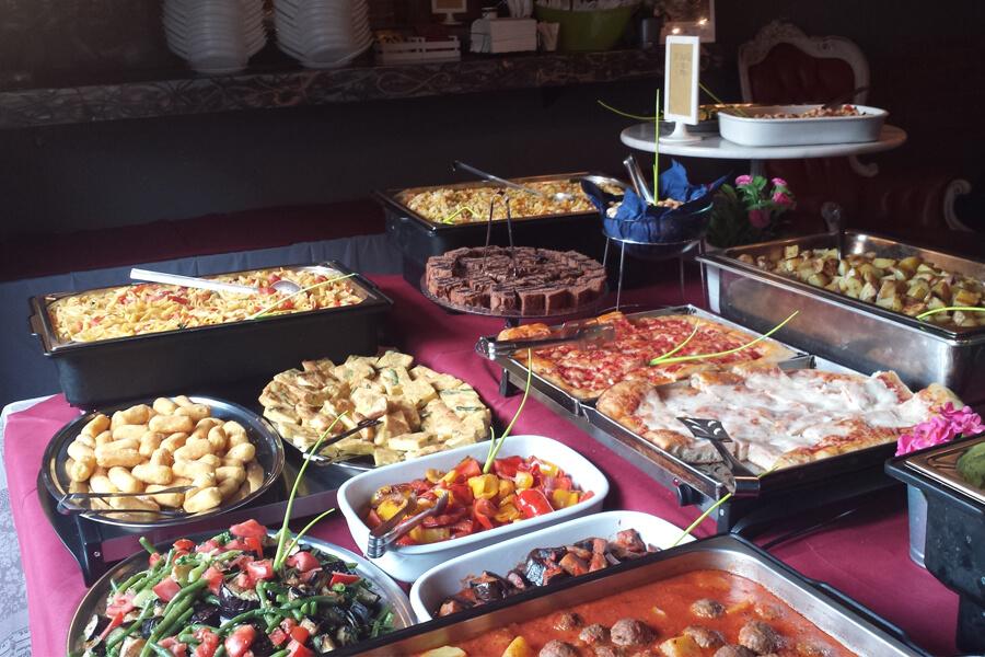 Aperetivo Buffet mit großer veganer Auswahl