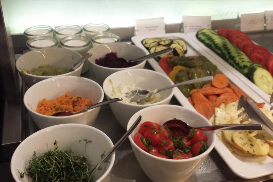 vegane Frühstücksauswahl im Relexa Hotel München