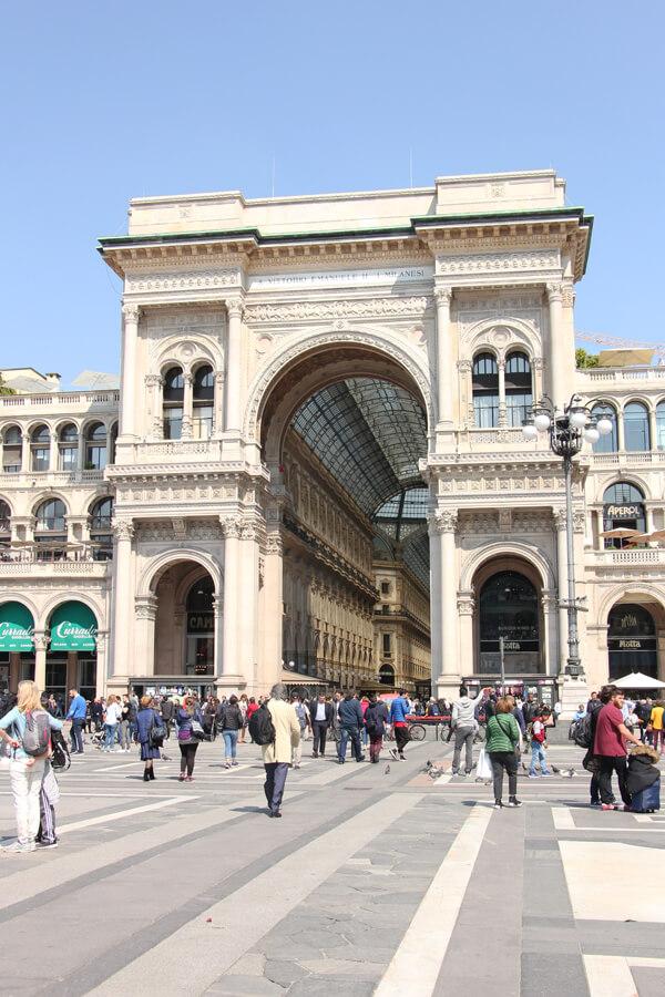Eingang zur Galleria Vittorio Emanuele II in Mailand