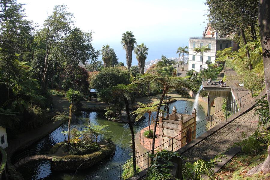 See im mittleren Teil des Monte Palace Tropical Garden.
