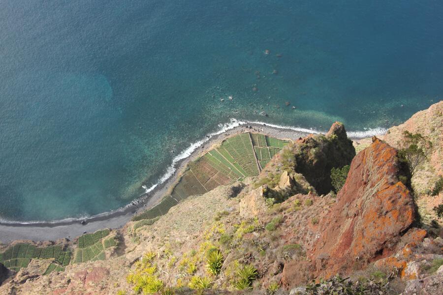 Blick Steil hinunter vom Cabo Girao.