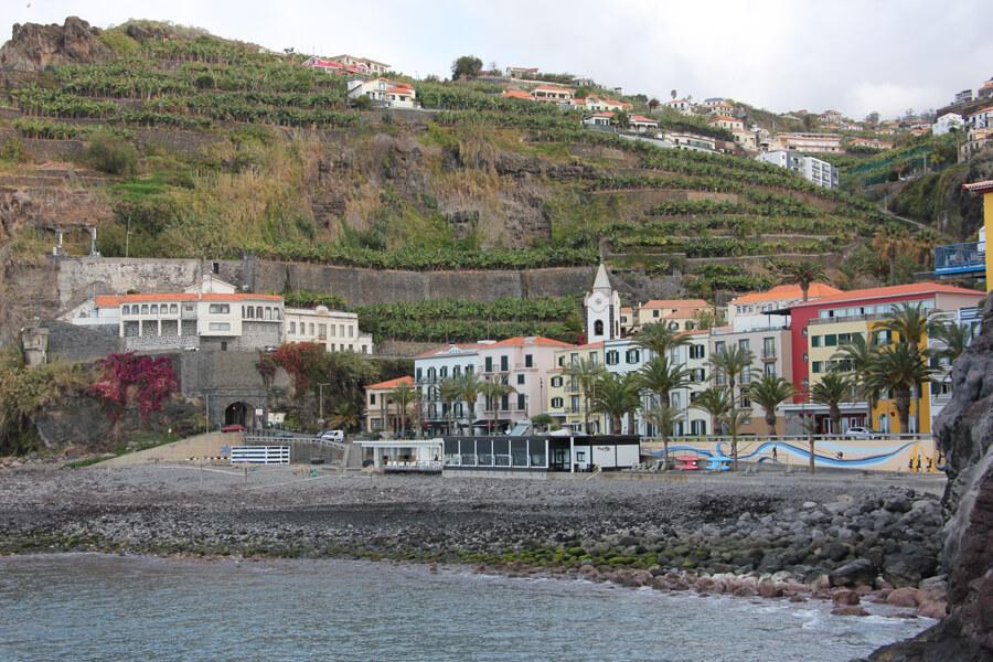 Strand von Ponta do Sol, an der Südküste.