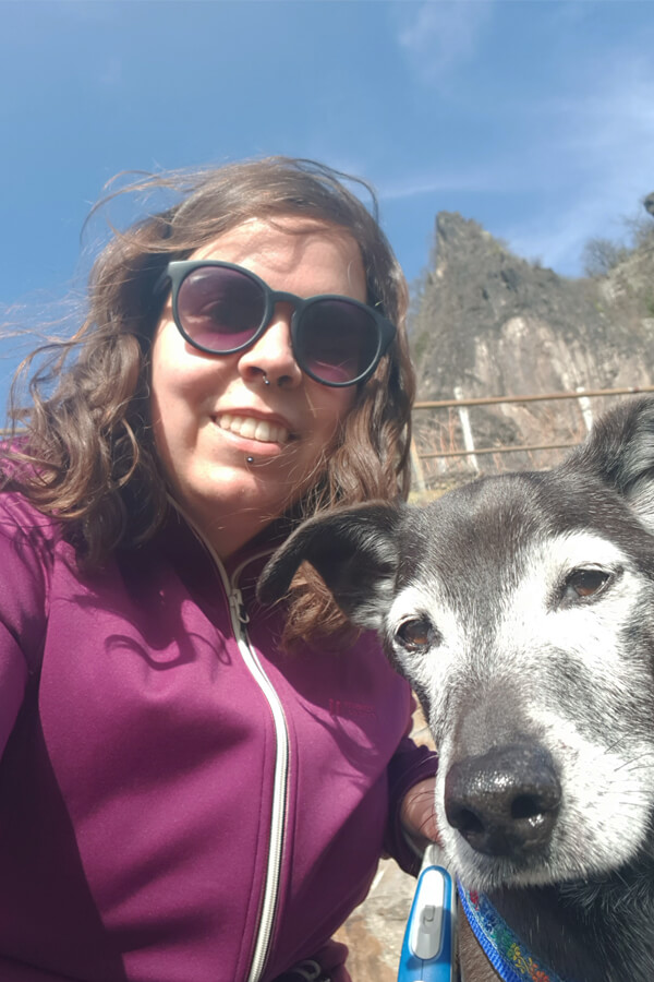 Ich mit meinem Hund.
