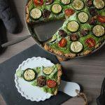 Rezept: vegane Bärlauch-Quiche mit Kartoffeln, Zucchini, Tomaten und Pilzen