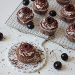 Rezept: vegane Schoko-Kirsch Cupcakes