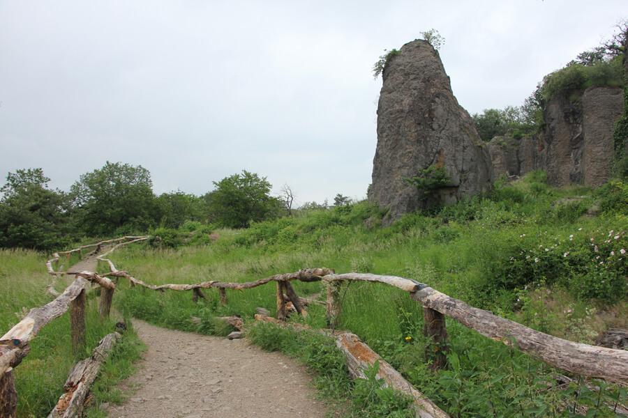 Stenzelberg Rundweg durch den Steinbruch
