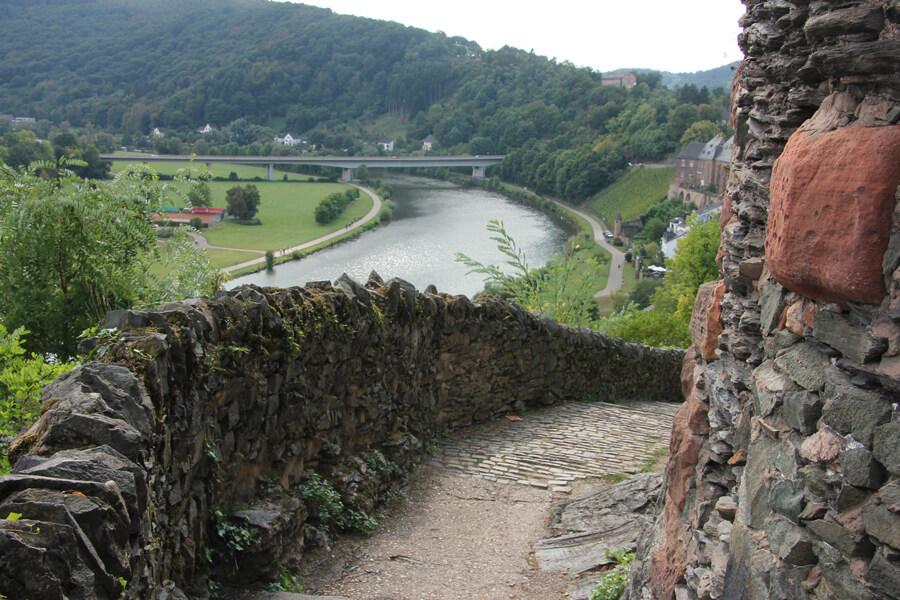 Aussicht über die Saar von den Burgmauern